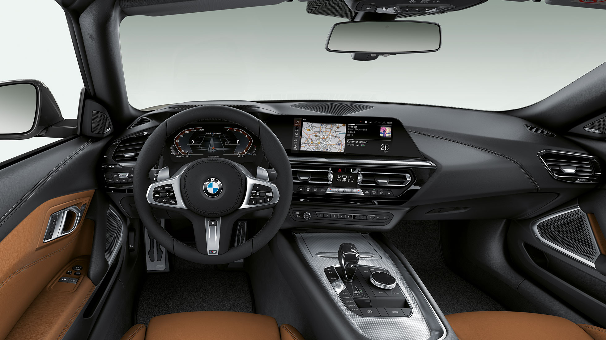 BMW Z4 Roadster M40i, steering wheel and driver's place