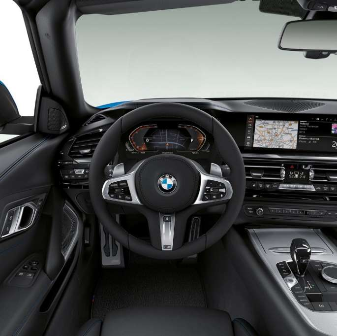 BMW Z4 Roadster Model M Sport, steering wheel and driver's place